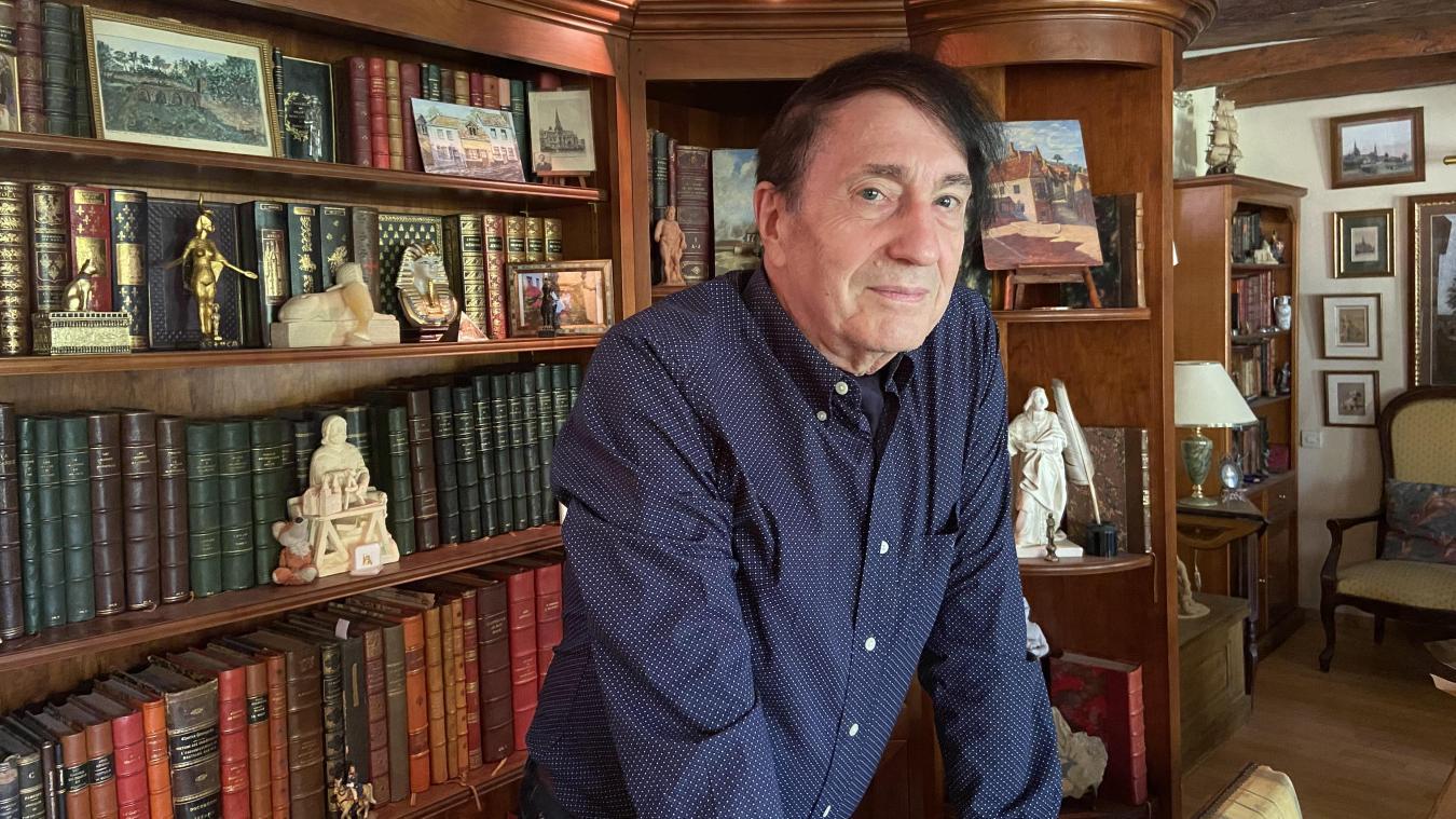 Philippe Valcq, historien local, pioche dans ses nombreuses archives afin de dégoter un fait marquant sur la vie de Montreuil-sur-mer.