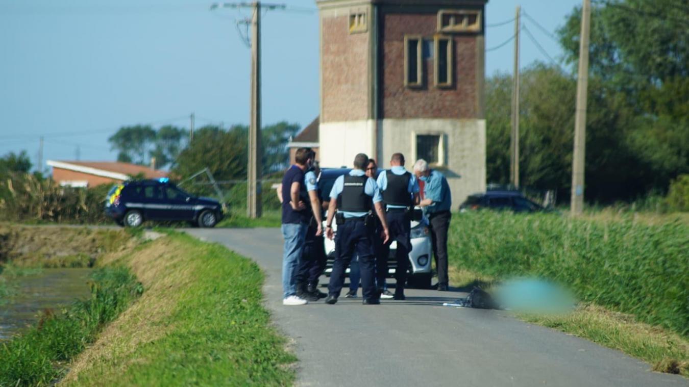 Les forces de l'ordre ont été mobilisées, ce lundi en fin d'après-midi, après la découverte d'un corps.