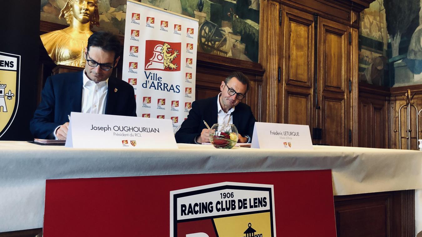 Joseph Oughourlian et Frédéric Leturque ont paraphé le contrat à l'Hôtel de Ville.