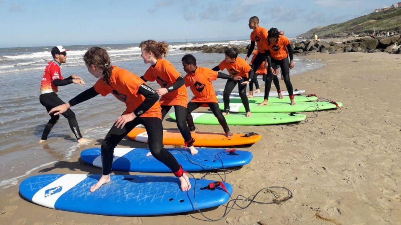 L'école de surf du Nord existe depuis maintenant deux ans.