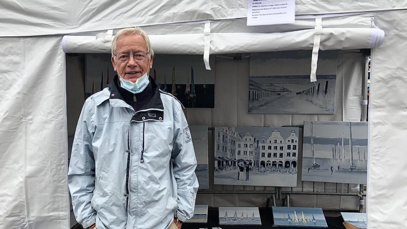 Michel Dievart, artiste peintre, présent sur les marchés nocturnes tout l'été.