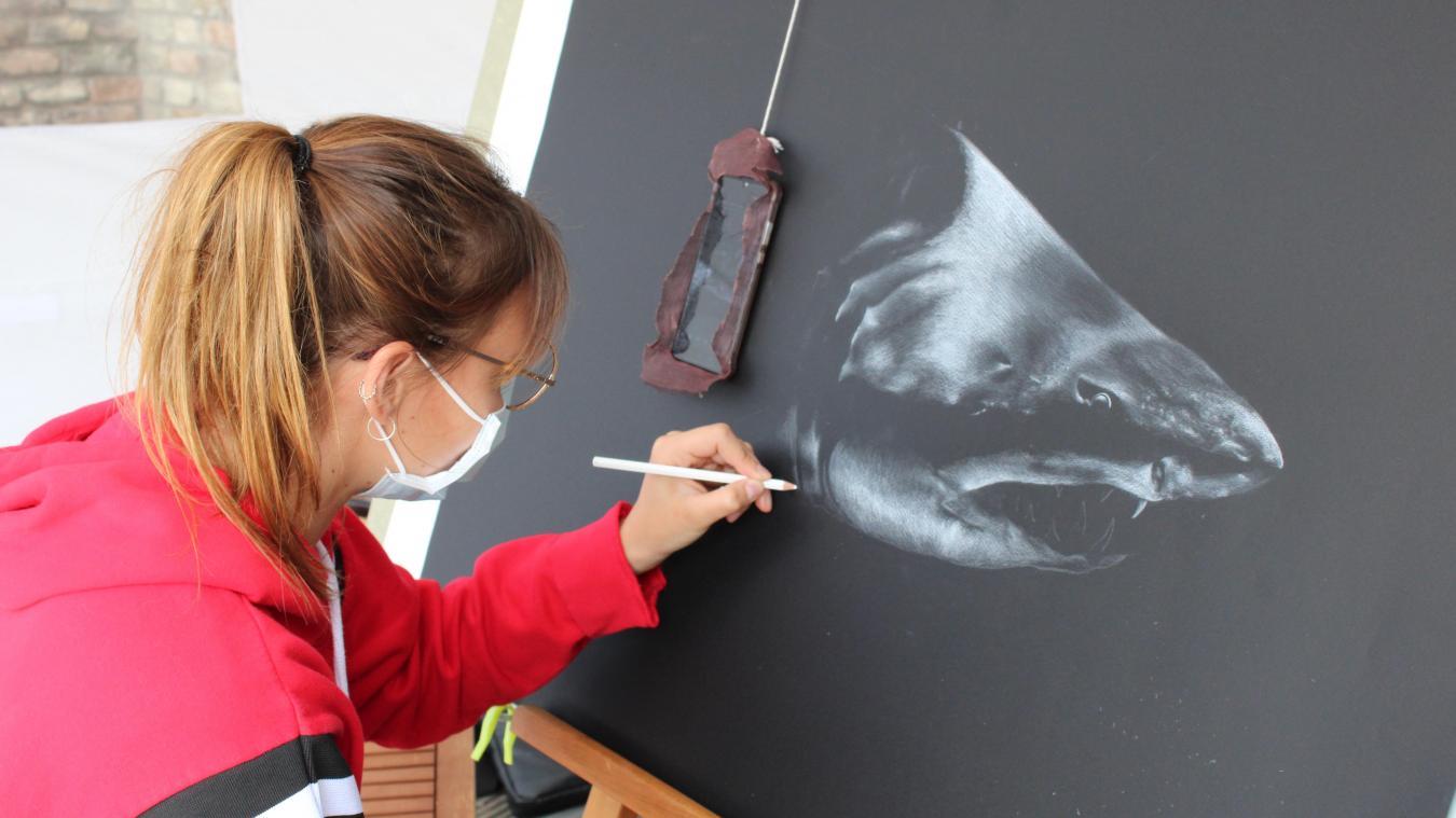 Une jeune artiste reconnue dans les rues de Calais