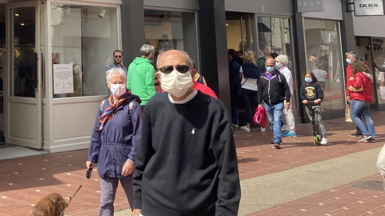 Le port du masque sera désormais obligatoire dès ce samedi 1er août rue Saint-Jean et dans tout le coeur de ville de la station balnéaire.