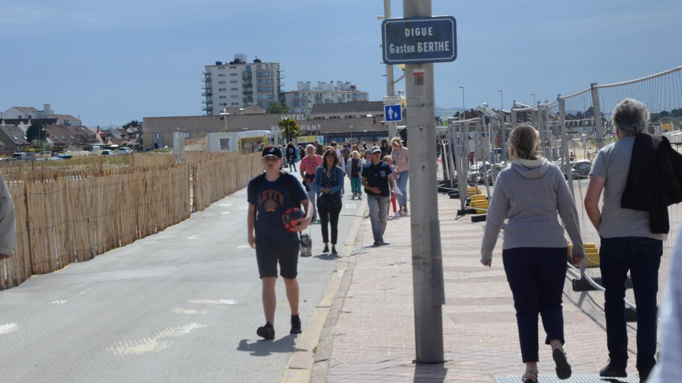 Masque obligatoire à l'extérieur à Calais: la Ville n'y est pas opposée