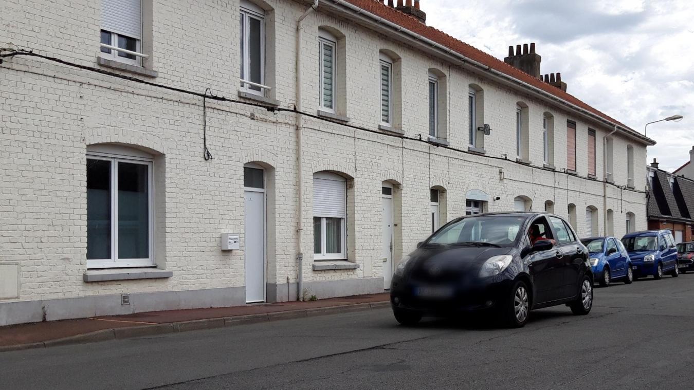 Une dizaine d'habitants des rues du Foyer-Flamand, Georges-Herrewyn et Rabelais ont réalisé une pétition, car ils refusaient les travaux de rénovation de leur bailleur.