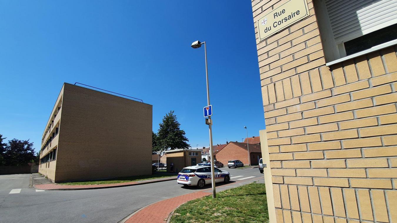 La police a procédé à l'interpellation de trois adolescents qui seraient les auteurs du tir.