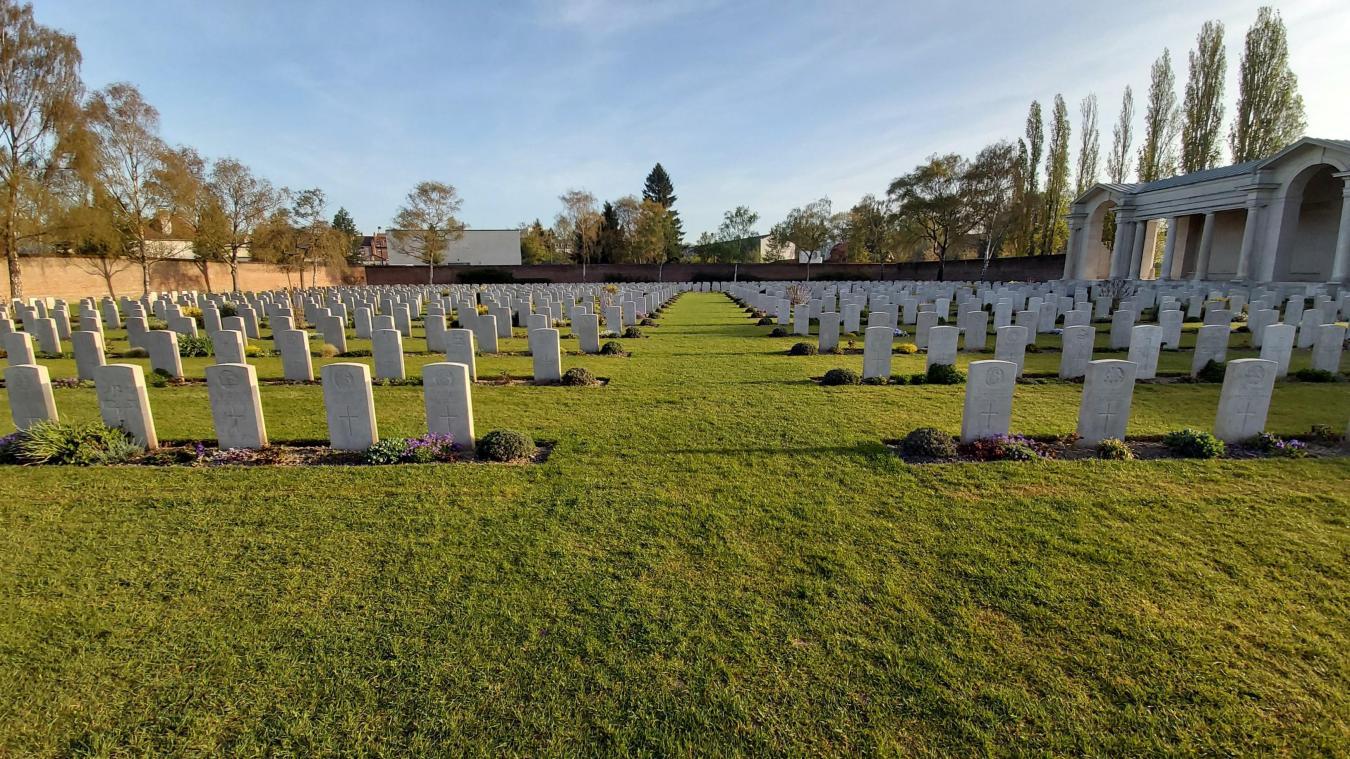 La Commonwealth War Graves Commission (CWGC) assure quotidiennement l'entretien des cimetières et mémoriaux les plus impressionnants au monde.