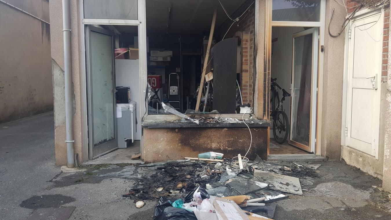 Béthune : des néons explosent et créent un début d'incendie