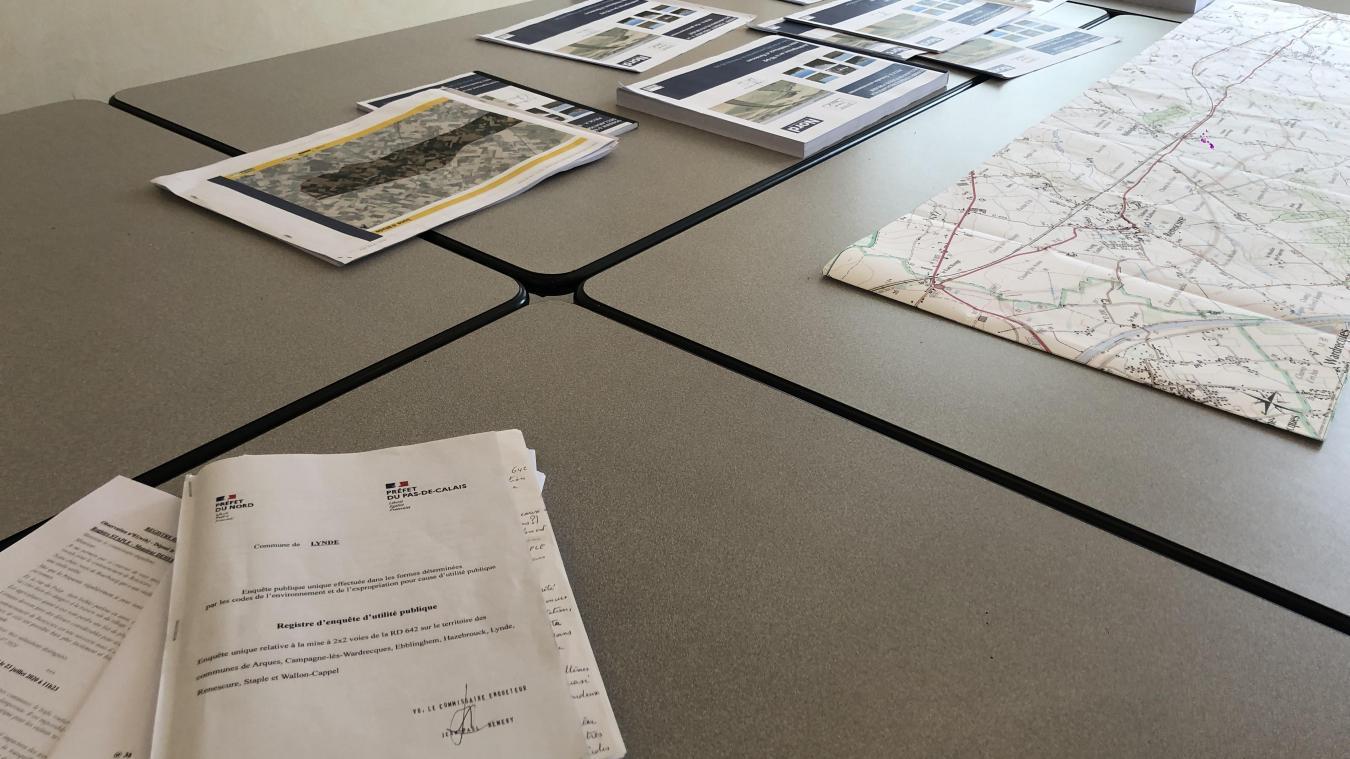 Le commissaire-enquêteur d'une enquête publique, comme celle liée au contournement de la RD 642, sert à la décoder.