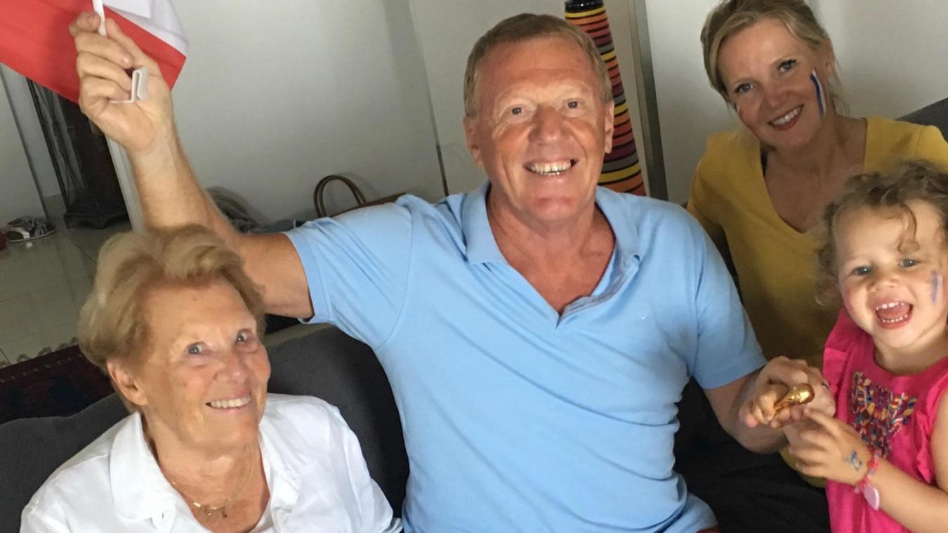 Alex Dupont, en compagnie de Denise, sa mère, Gwenaëlle, l'une de ses filles, et Anissa, sa petite-fille, lors de la finale de la Coupe du monde, en 2018.