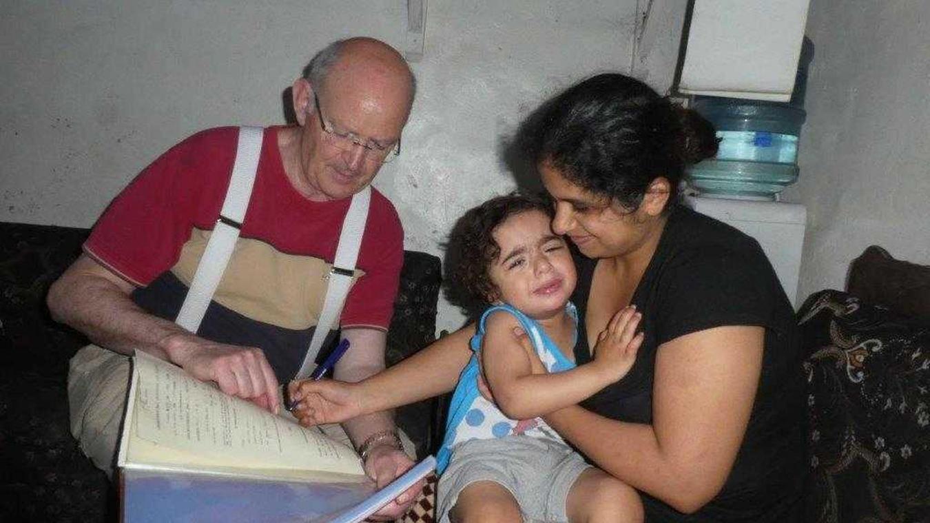 Depuis plus de 20 ans, Bernard Géselle, à travers l'association étaploise  L'Enfant du Liban , met un point d'honneur a aidé la jeunesse libanaise.