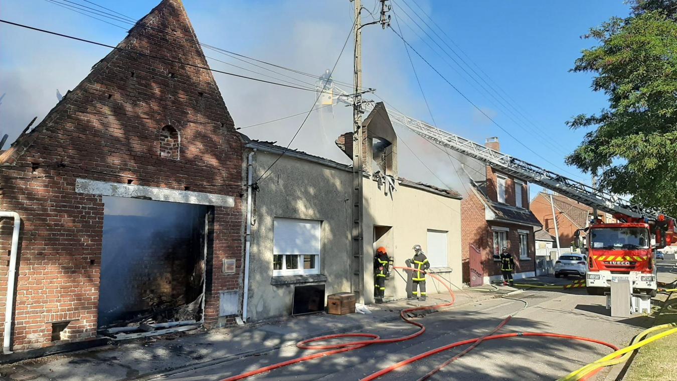 Une maison détruite par les flammes à Burbure