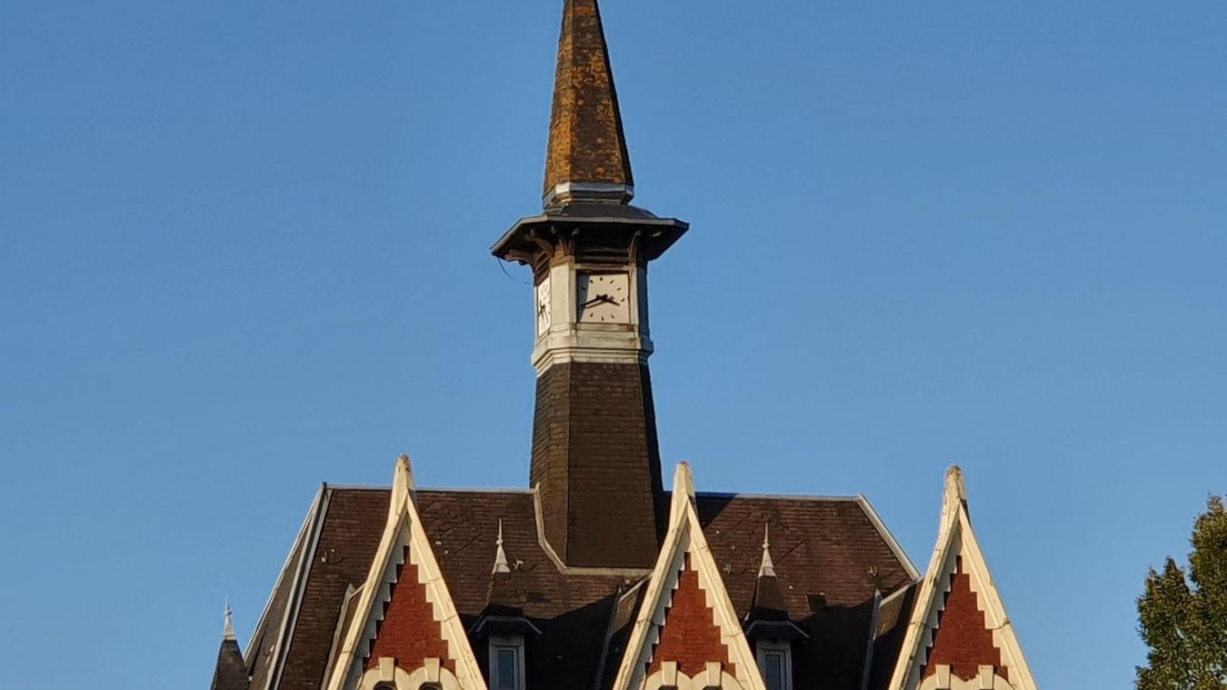 Le clocher du haut de la mairie va connaître des travaux.