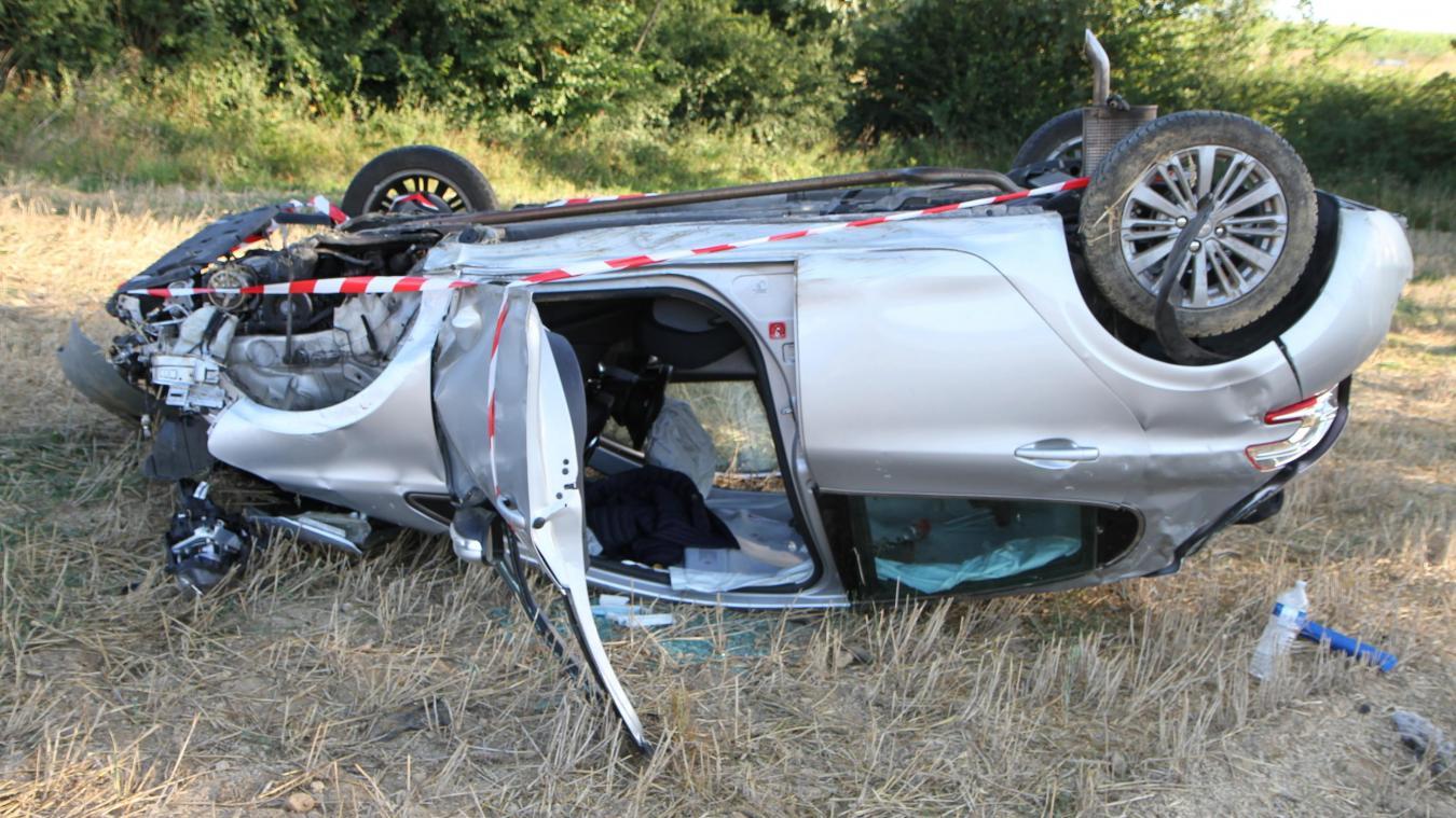 Personne ne se trouvait dans ou à proximité du véhicule accidenté.