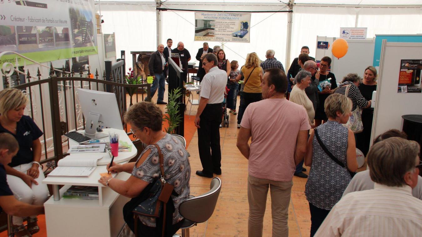 Chaque année, la foire commerciale d'Aire-sur-la-Lys attire quelque 10 000 visiteurs.