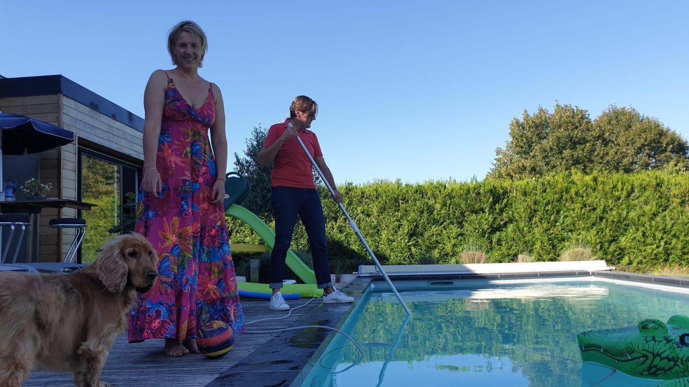 Le couple entend rester discret sur la localisation de cette piscine de 9 x 3,50 m.