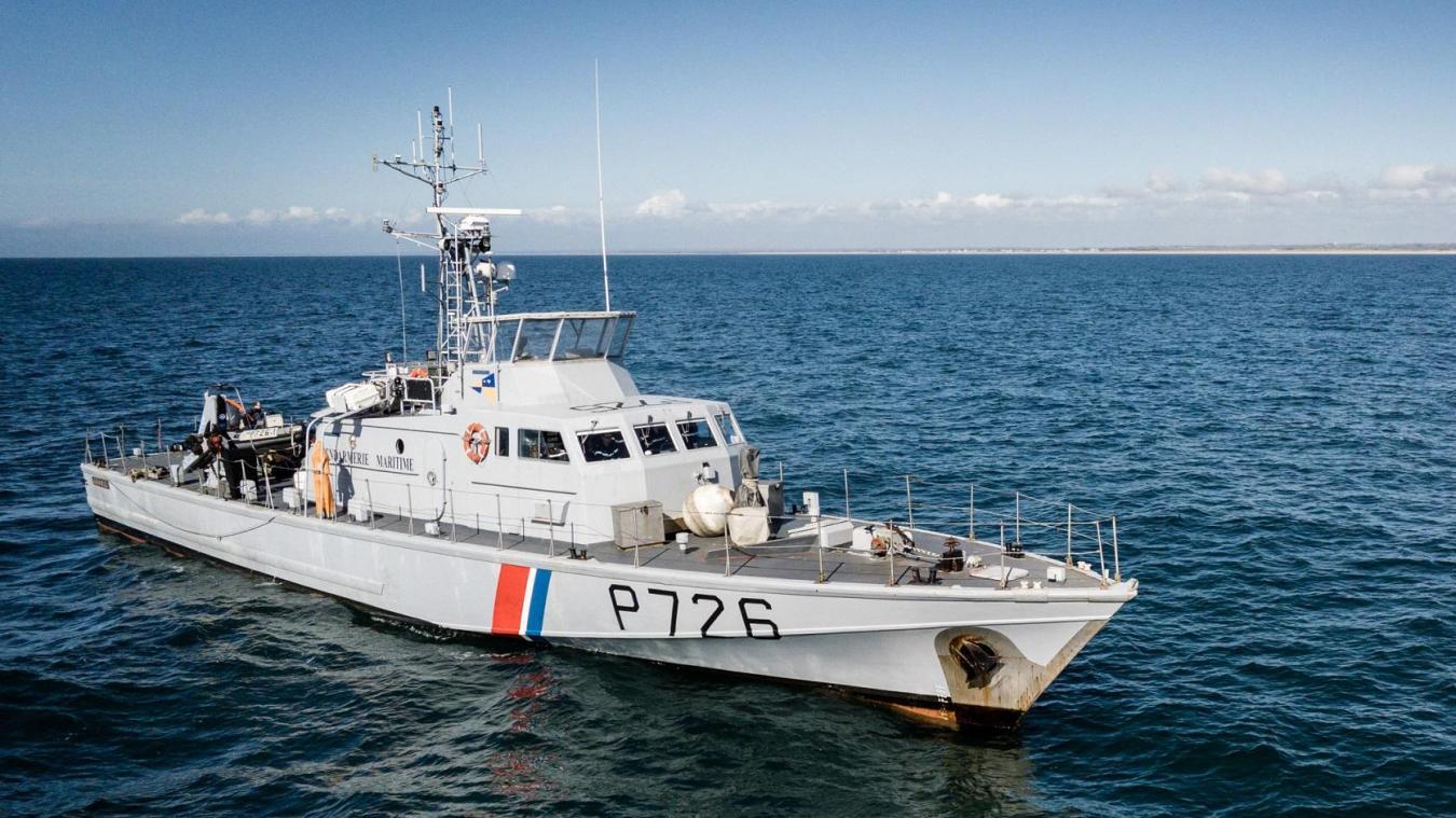 Prise de vue drone du patrouilleur côtier de gendarmerie maritime Aramis.