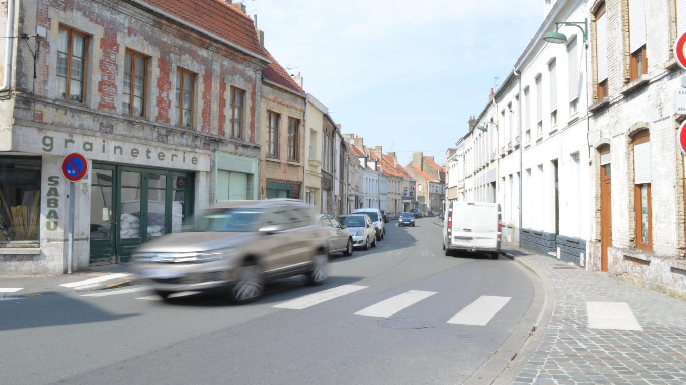 Le stationnement se fera désormais sur le côté droit de la rue, en venant du centre-ville.