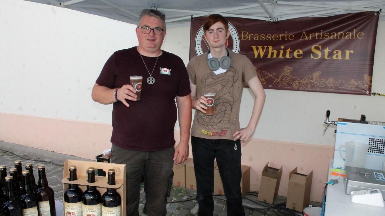 Ludovic Dez et son fils ont présenté la toute nouvelle Blonde du Val de Canche.