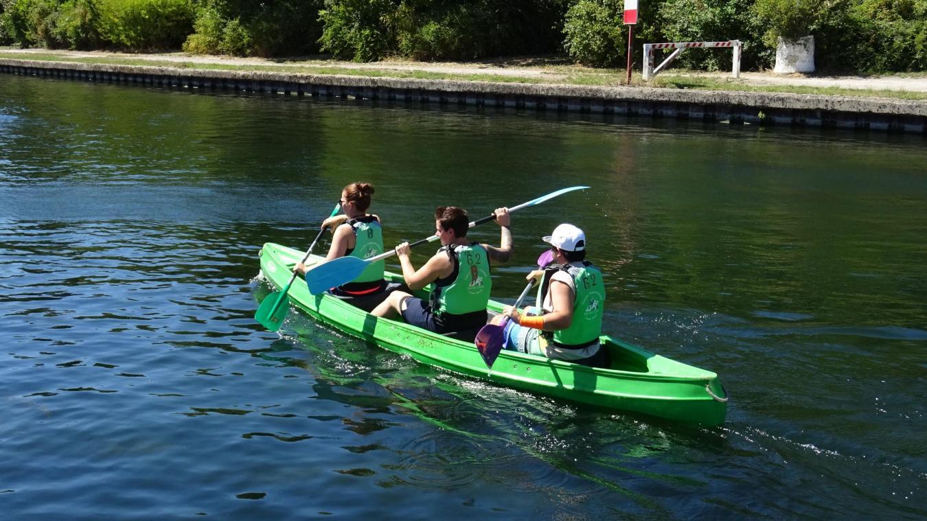 La base nautique de Biache-Saint-Vaast propose plusieurs activités comme le canoë-kayak.