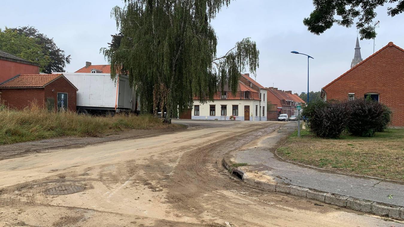 Après les fortes pluies, des rues inondées à Godewaersvelde
