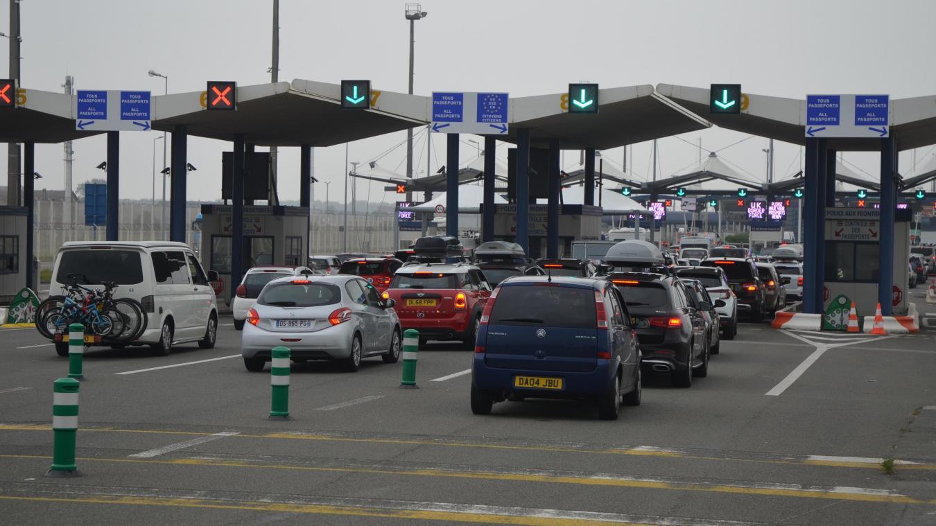 Vendredi matin et aprés-midi, le trafic était fluide au port de Calais.