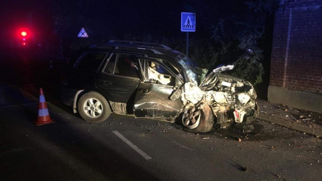 Nortkerque: un automobiliste légèrement blessé après une sortie de route