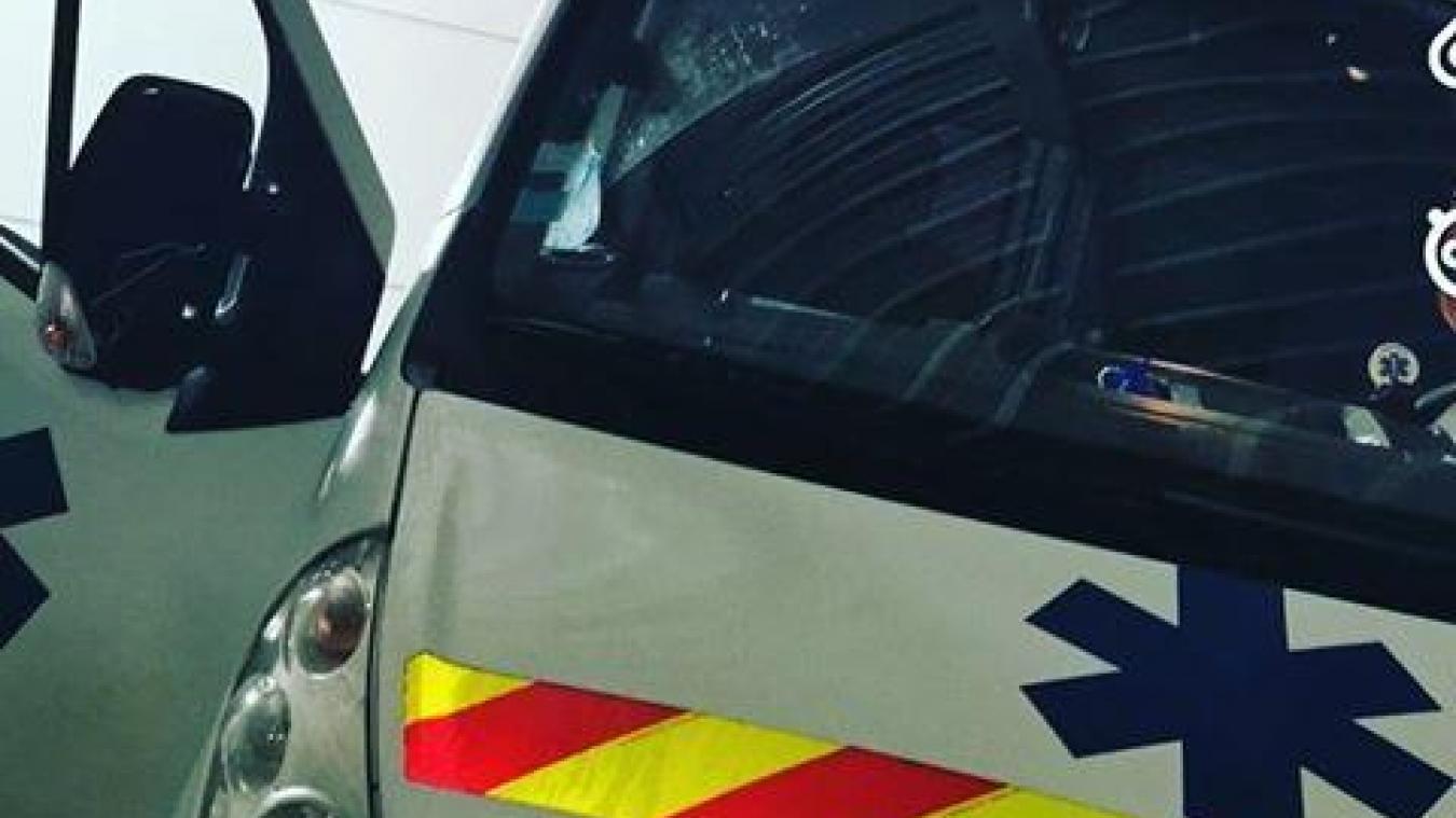 L'ambulance a été prise pour cible, sans raison apparente...