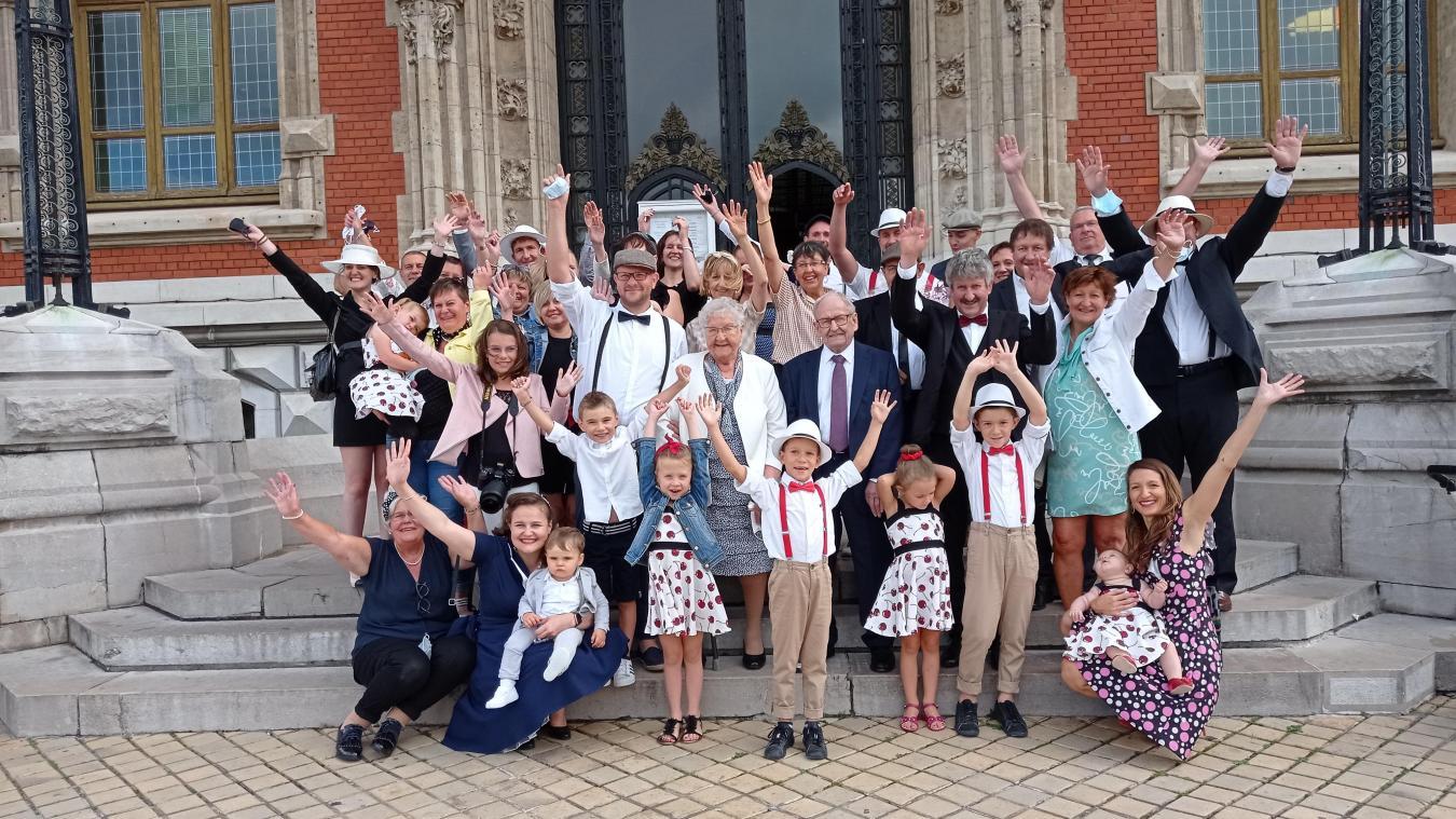 C'est en famille que ce magnifique anniversaire a été célébré ce samedi devant l'hôtel de ville.