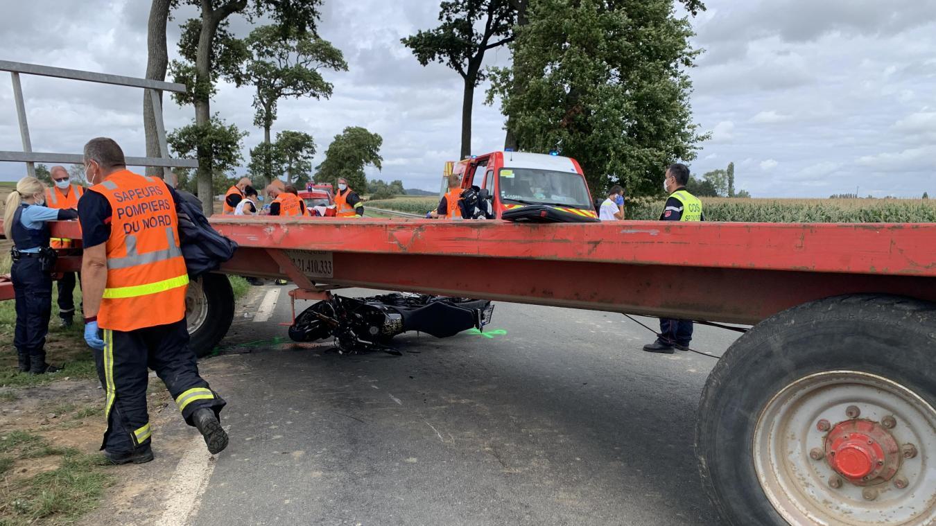 Staple : deux motards blessés après un accident avec un engin agricole