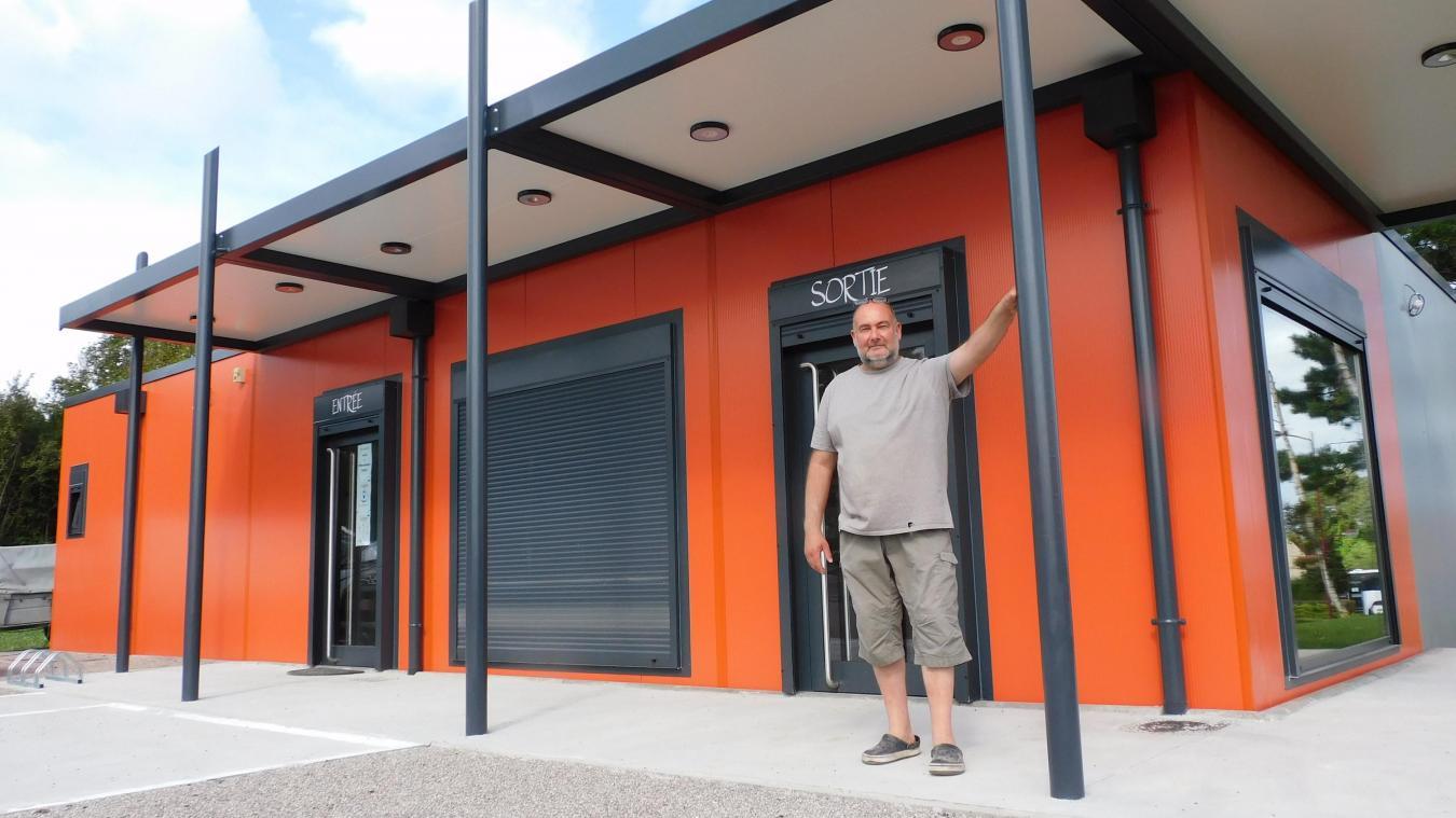 Éric Merlin ouvre ce 25 août les portes de sa boulangerie dans les modulaires installés il y a quelques semaines près de la gare TGV.