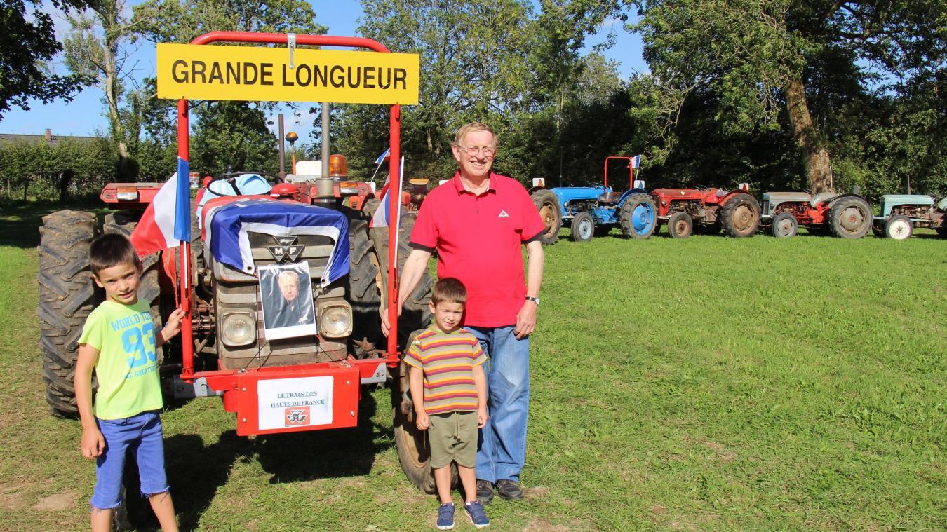 Serge Louchez a gardé une âme d'enfant et a créé un train de tracteurs original.