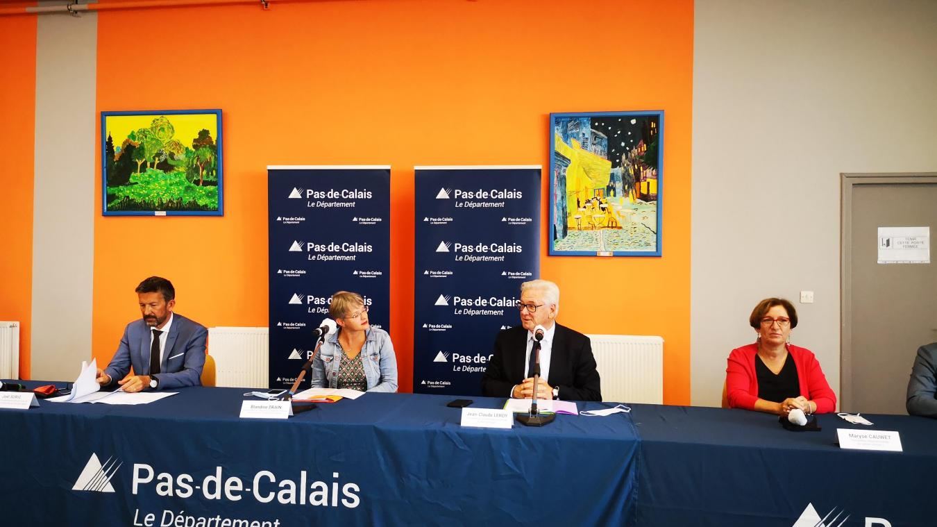 Blandine Drain et Jean-Claude Leroy (au centre) ont précisé les mesures prises par le Conseil départemental pour la rentrée des collèges.