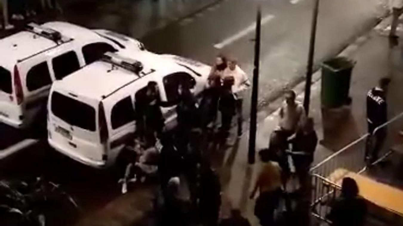 La police municipale et nationale ont dû avoir recourt aux gaz lacrymogènes pour dispercer la foule rassemblée rue de la Mer samedi soir.