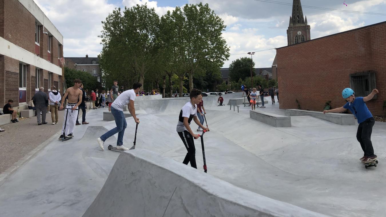 Le skatepark a ouvert au mois de juin sour le mandat de Bernard Debaecker. Il a été fermé temporairement par Valentin Belleval.