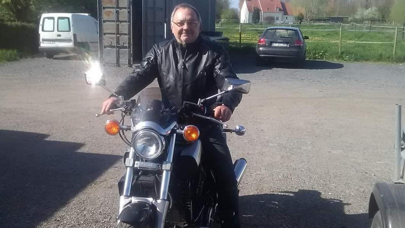 Philippe Hannotel, vice-président de l'Adel attend les amateurs de deux-roues, ce dimanche matin, à Lederzeele.