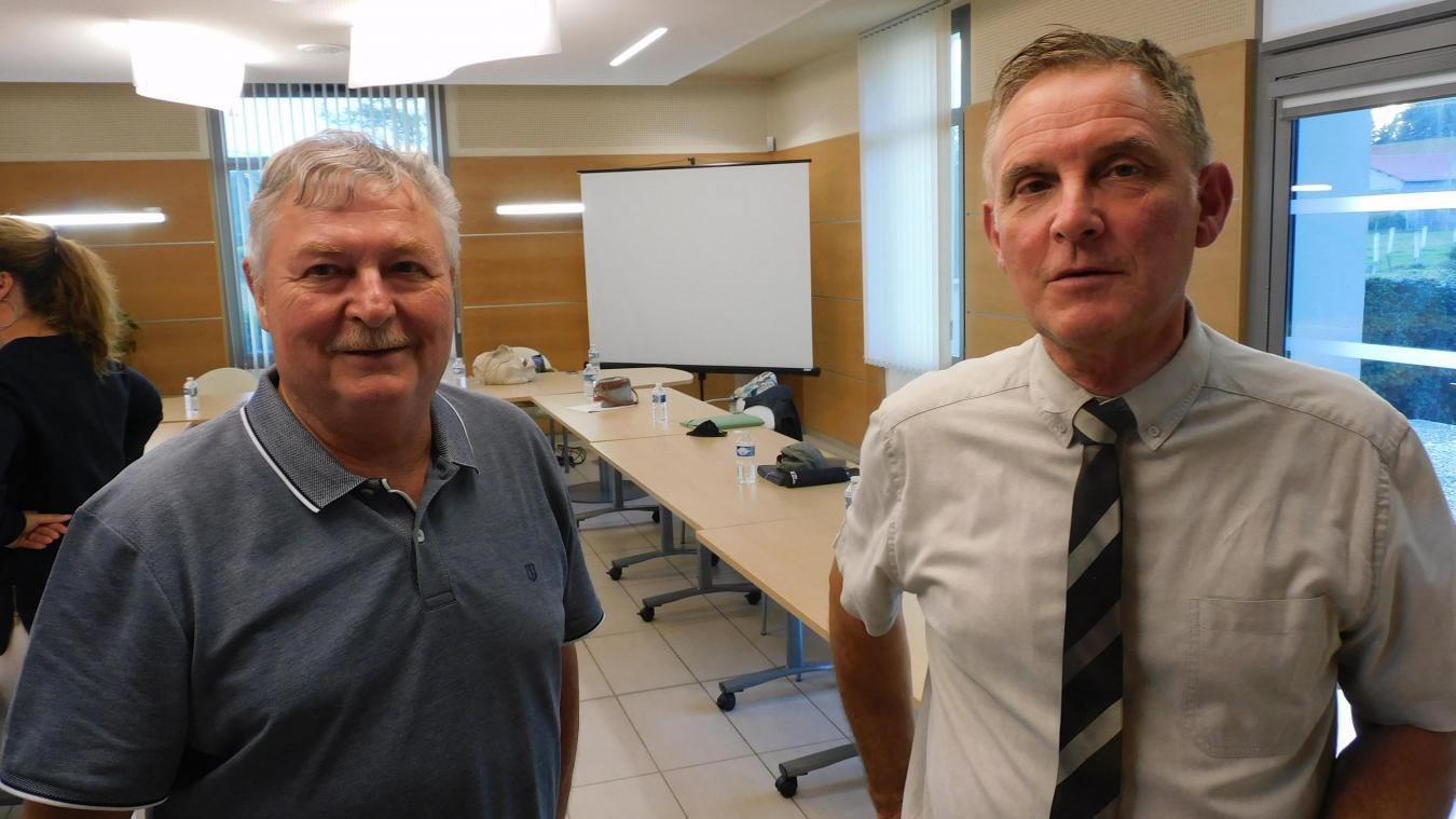Conseiller municipal délégué aux aînés, Jean-Claude Finot (à gauche)a été nommé élu référent.