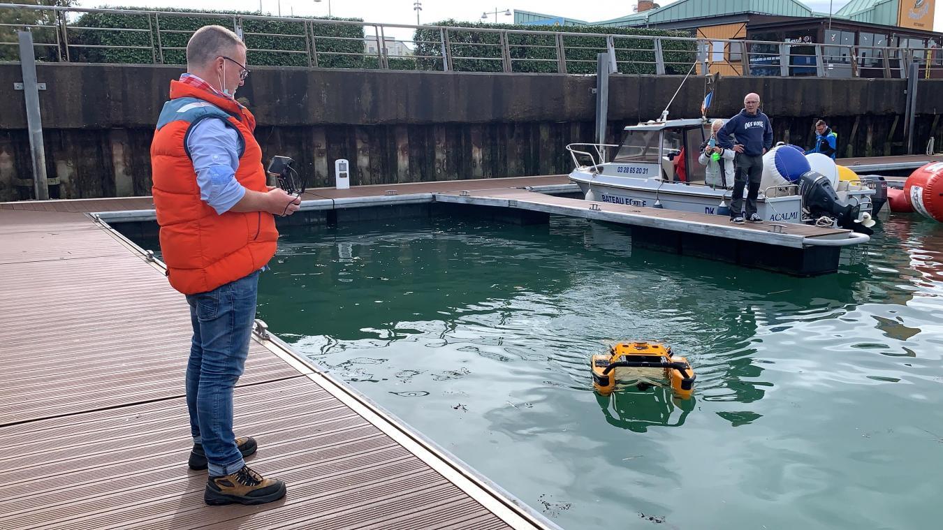 Innovation à Dunkerque : il dépollue l'eau avec des drones aquatiques