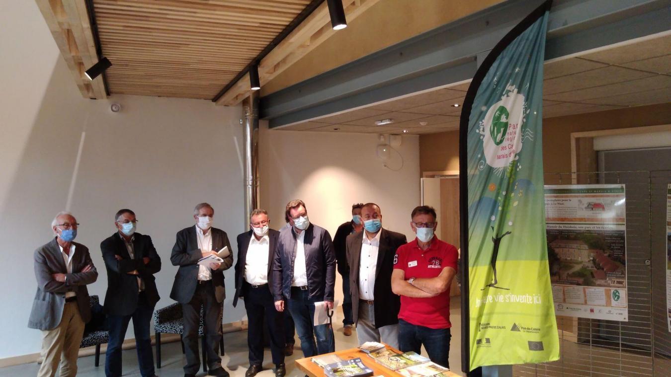 En présence de Philippe Vasseur, ancien ministre de l'Agriculture, un état d'avancement du chantier a été présenté.