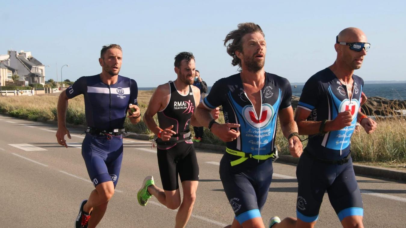 Le tandem Lyoen-Pérel a fait une bonne partie de la course en tête, avant de céder à 600 mètres de l'arrivée.