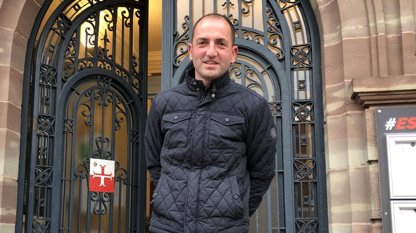 Mathieu Masclin est d'Haverskerque, il joue au foot à Estaires. Dimanche 30 août, il n'a pas hésité à pratiquer les gestes de premiers secours sur un autre joueur. Ce qui lui a sauvé la vie.