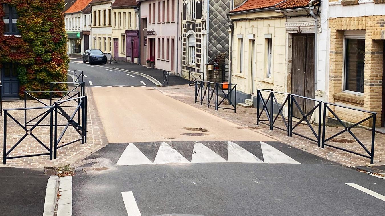 La pente du ralentisseur rue du Bourg sera adoucie.