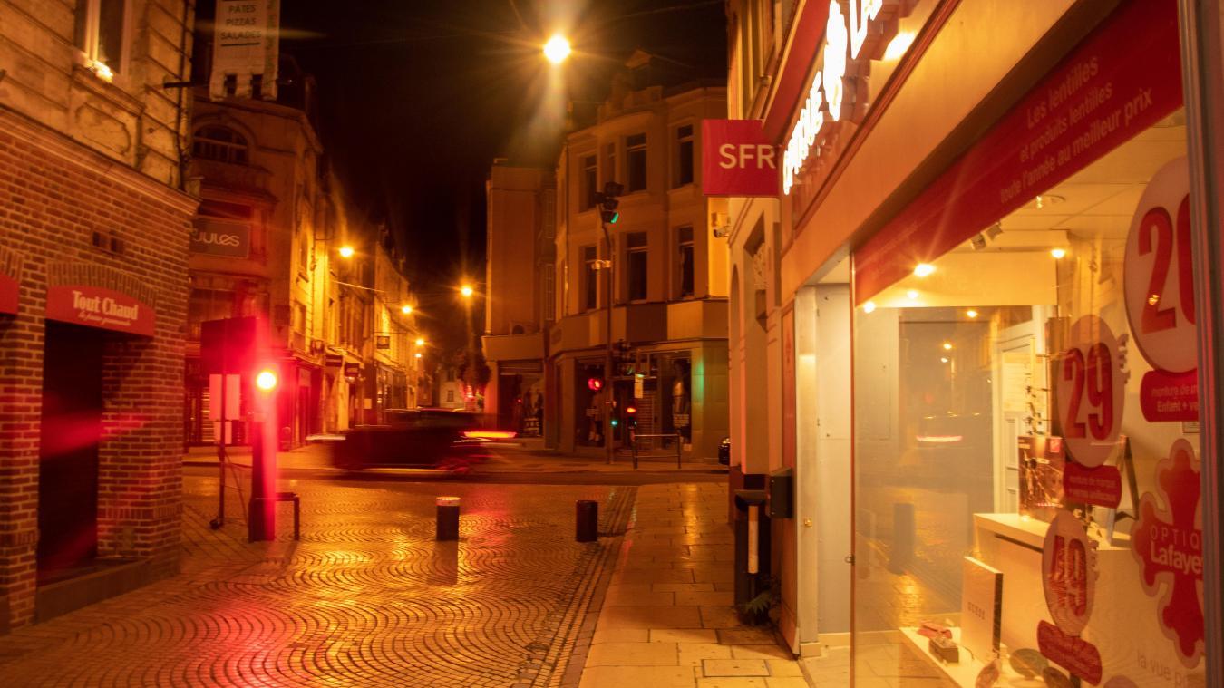 Des rues éclairées toute la nuit, c'est non seulement mauvais pour la santé mais complètement interdit par la loi.