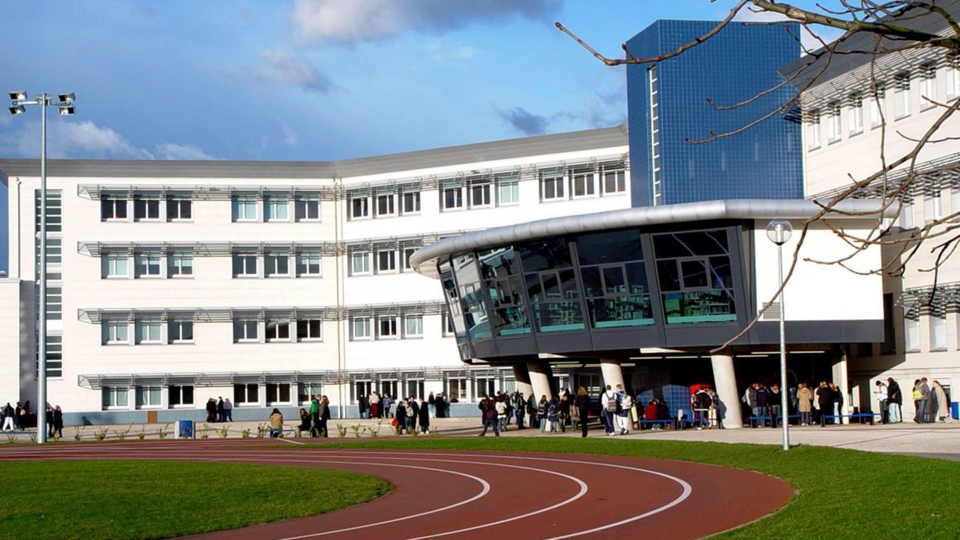 Le lycée Sophie Berthelot a été victime de rumeurs progagées par des élèves.