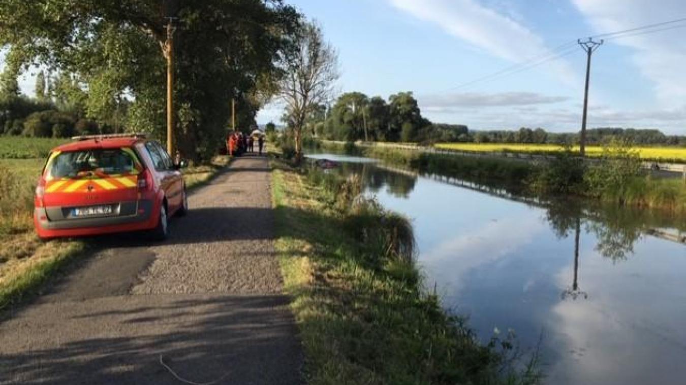 L'accident a eu lieu à la sortie de Pont d'Ardres, chemin du halage.