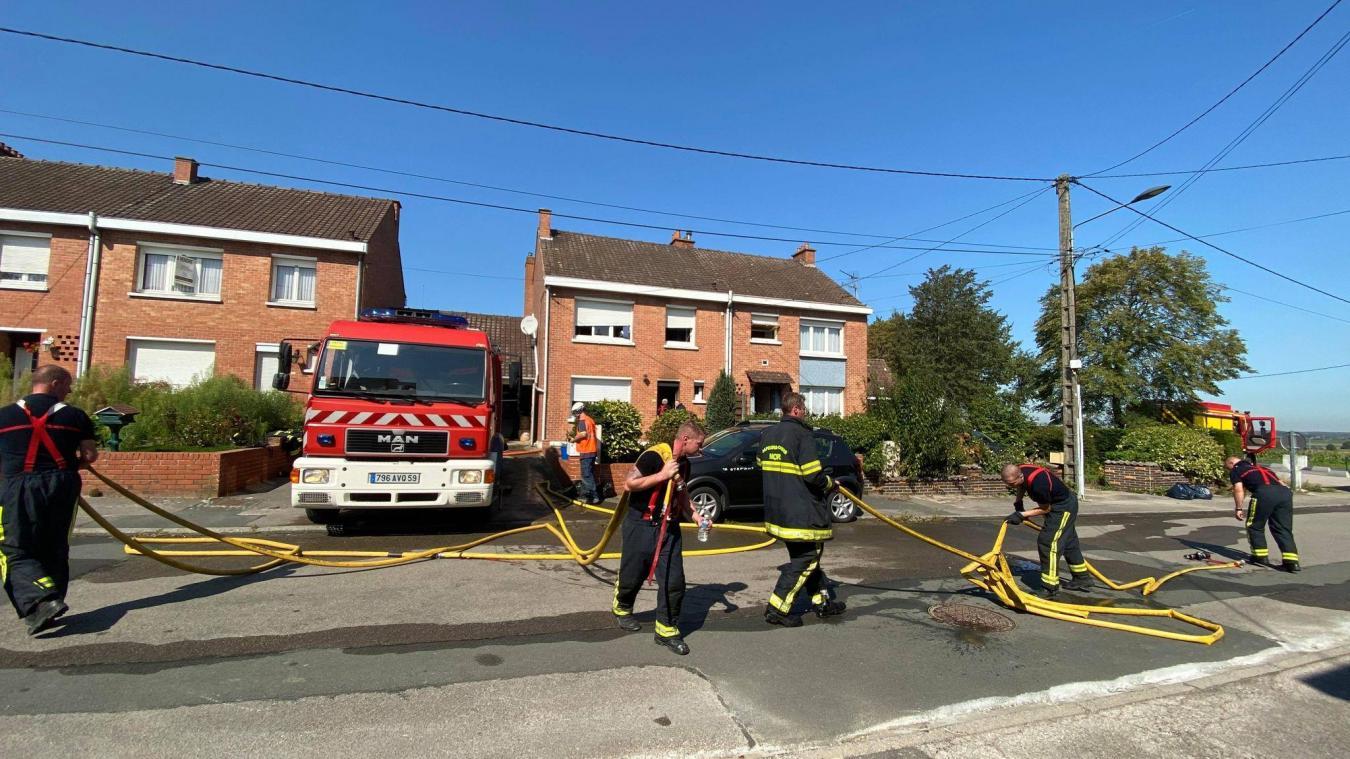 Les pompiers de Boeschèpe, Steenvoorde, Hazebrouck et Bailleul étaient sur place.