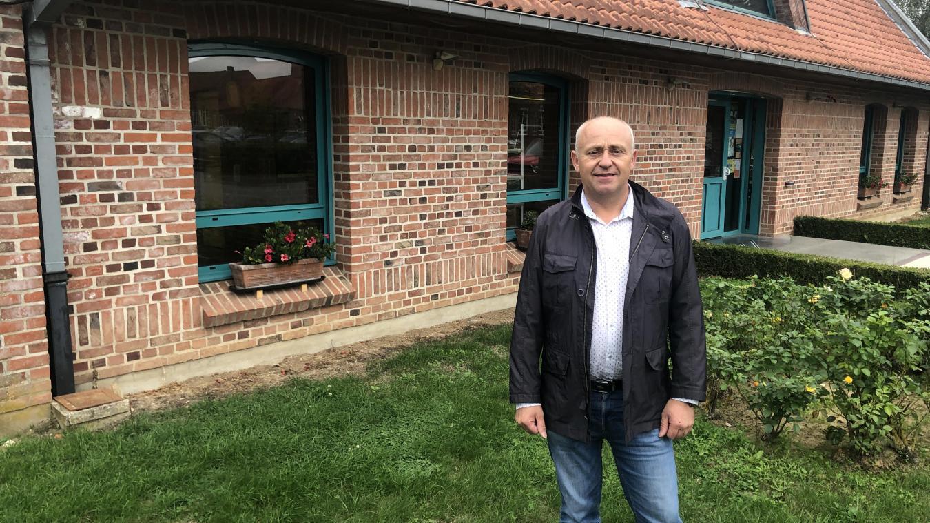 Avant d'être élu maire de Noordpeene, Thierry Dehondt a été conseiller, puis adjoint au maire.