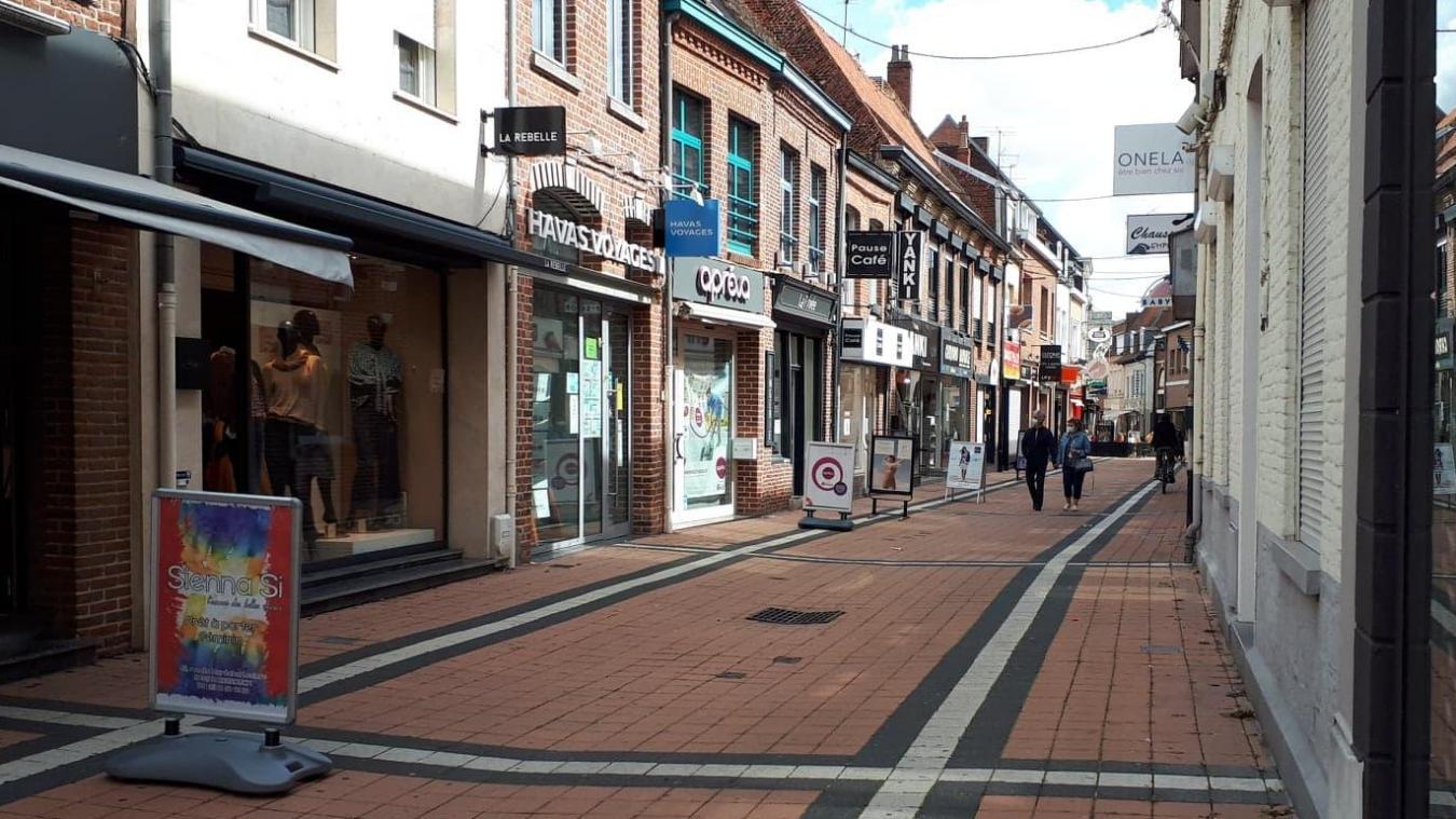 Plusieurs boutiques de la rue piétonne ont annoncé leur ouverture dimanche.