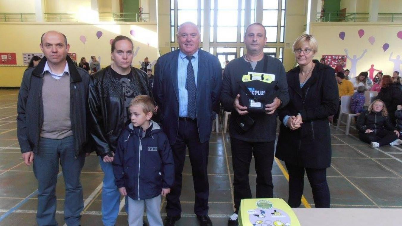 L'association a déjà distribué 140 défibrillateurs un peu partout en France.