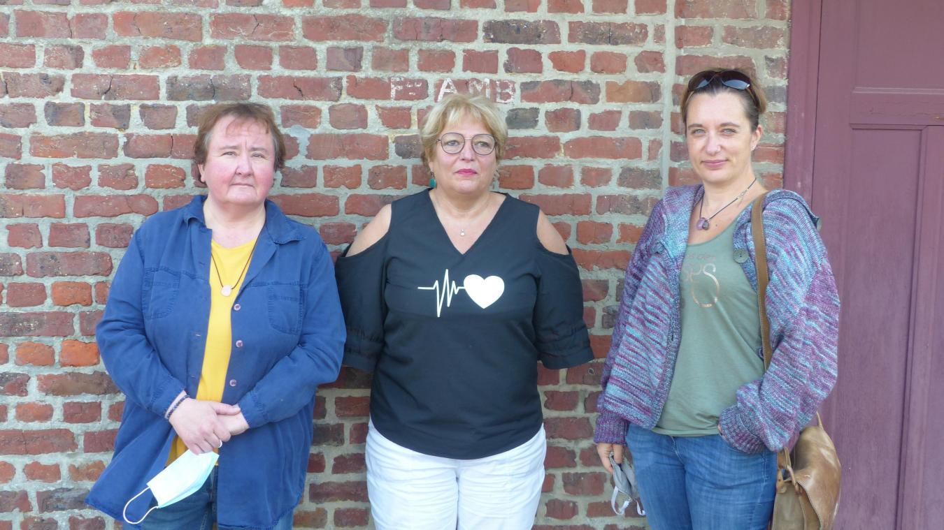 Dorothée Baillieul (à gauche) prend la présidence, aidée de Martine Verdière (au centre). Cécile Dooze (à droite) est la nouvelle secrétaire.